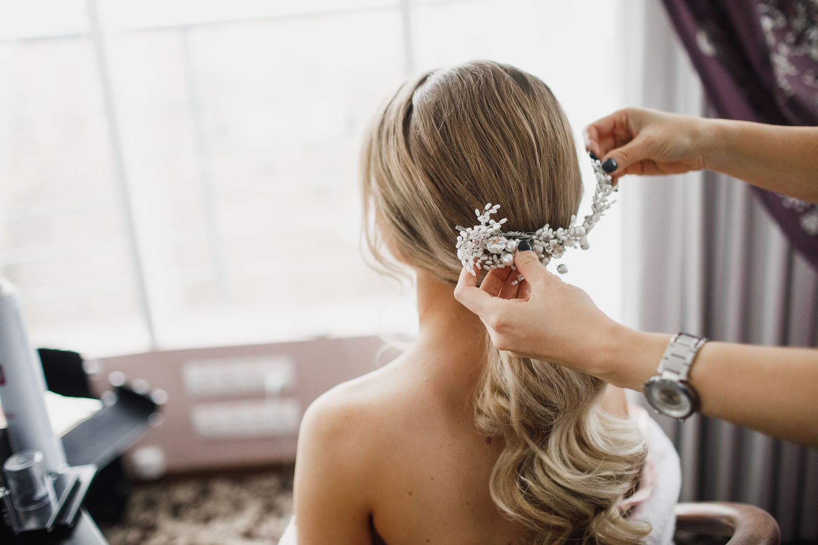 bigstock-Elegant-Bride-Hairstyle-Brida-302680495